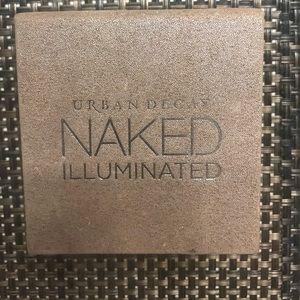 Urban Decay Naked Illuminated Highlighter